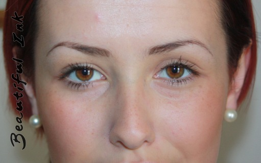 Creating eyebrows using permanent makeup